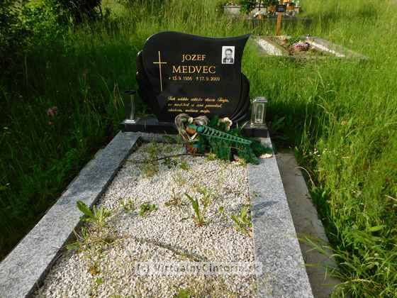 Image of the grave site